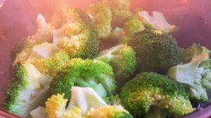 Lekker en Snel: Pasta kip-broccoli-paprika in een romige tomatensaus
