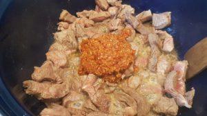 Rendang daging met sambalspruitjes