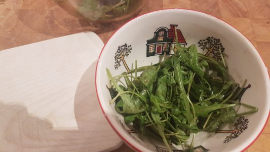 Bospaddenstoelensoep met rucola en courgette tosti